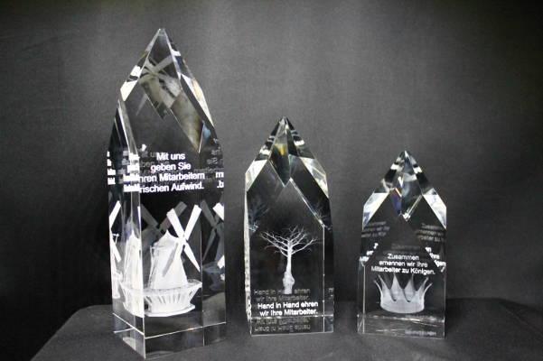Award Empire mit Glasgravur und 3D-Modell
