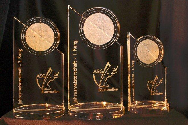 Jahresmeisterschaftspokale Lasergravur