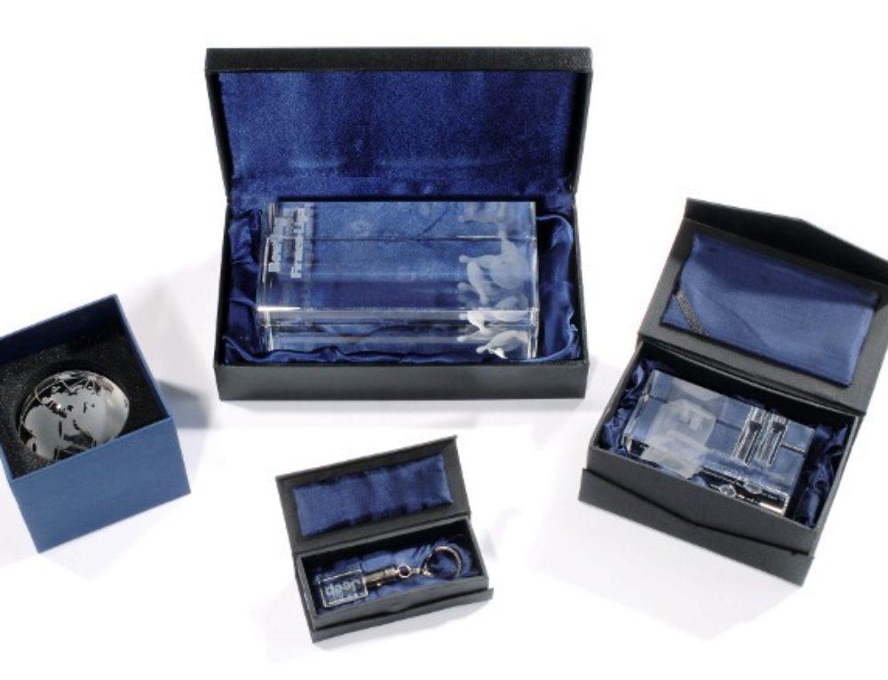 Nicht verzweifeln – 3D-Laser fragen! Ihr Partner für Firmen-Awards und Trophäen.