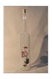 flasche mit handgeblasenem 3d motiv